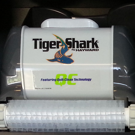 Hayward-Tiger-Shark-automatic-pool-cleaner-(1)